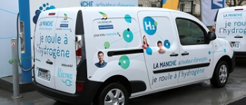 ​Take the wheel of the SymbioFCELL's Kangoo ZE H2 at the Paris Motor Show