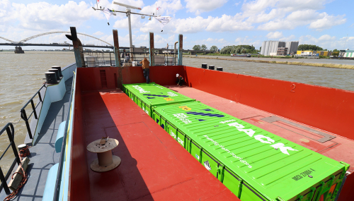 Zero Emission Services: first emission-free inland shipping vessel on energy containers