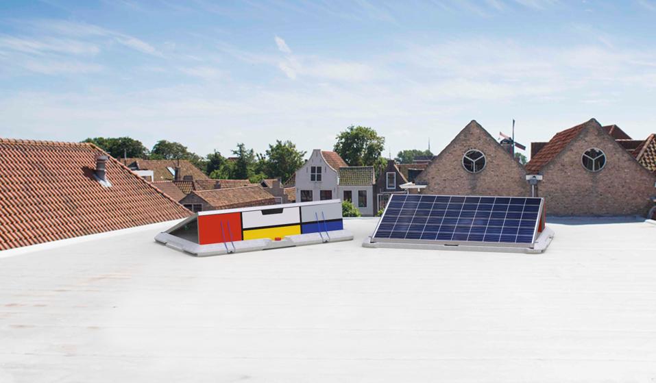 Ces 2018 supersola des panneaux solaires tr s faciles for Panneau solaire plug and play