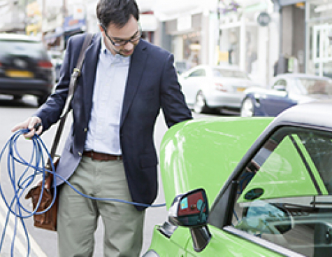 Internal conference : How to innovate in the charging infrastructure of electric vehicles ?